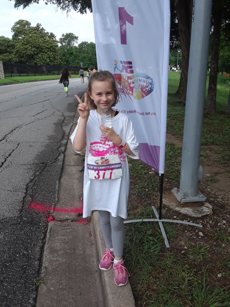 Mama 5K Lily at mile 1